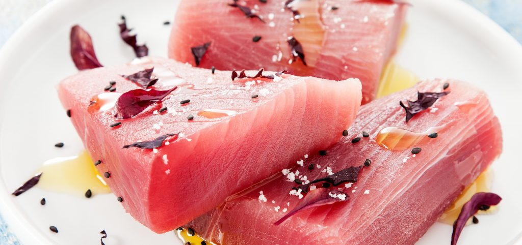 Raw Ahi tuna center cut dishes - Sapmer