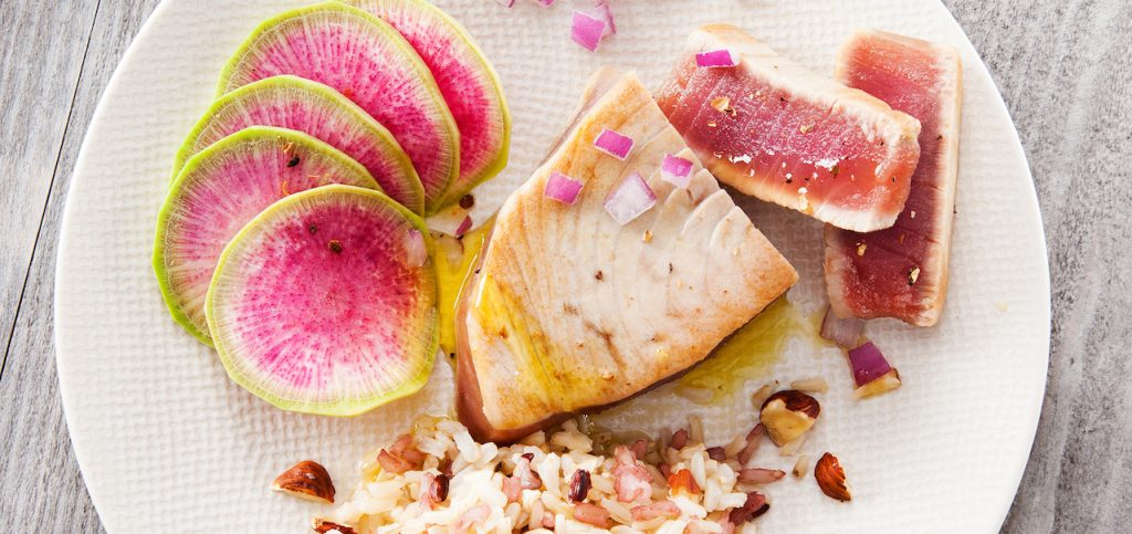 Tuna steak sautéed in hazelnut oil SAPMER recipe